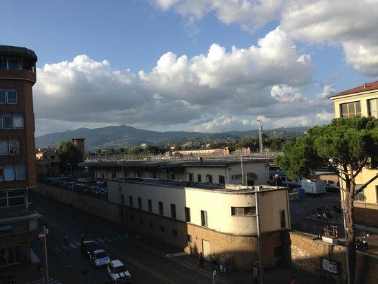Delle Nazioni Hotel: Os arredores da Estacao