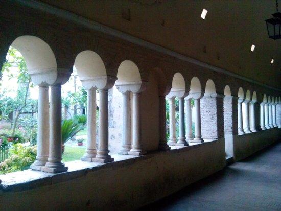 Abbazia di Fossanova : Chiostro