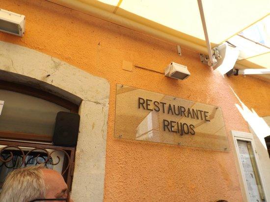Reijos: Frente do Restaurante