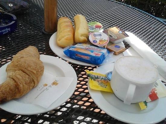Villa La Fornacina : Pequeno almoço.. optimo! :D