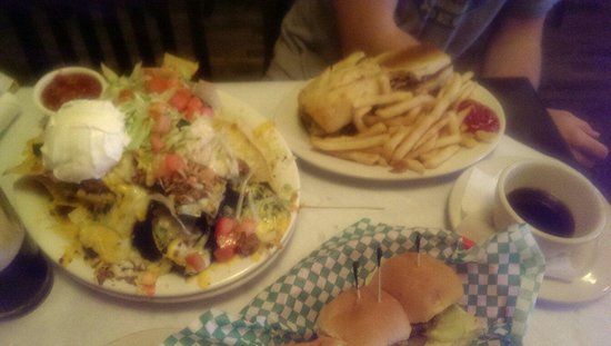 O'Connor's Public House: All-American sliders, Nachos, and Irish Dip!  Absolutely amazing!!