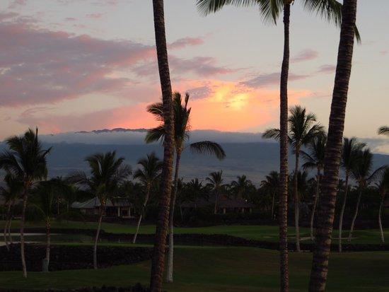 Mauna Lani Point: Sunset viewed from our Lanai