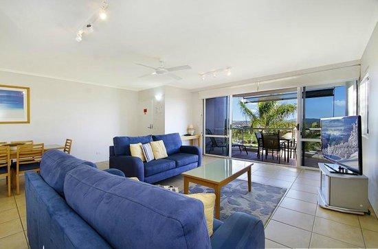 Bali Hai Apartments Noosa: Lounge and View
