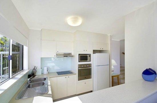Bali Hai Apartments Noosa: Kitchen