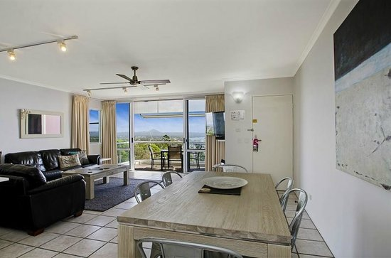Bali Hai Apartments Noosa: Penthouse Lounge and View