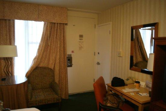The Wharf Inn: Our cozy room V
