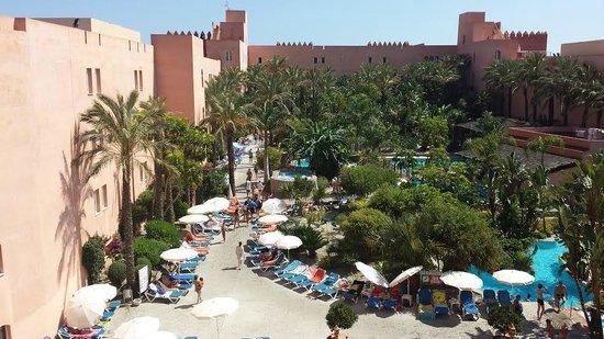 Playacalida Spa Hotel: Parque Aquatico con Jardin Tropical y Rio Caribeño