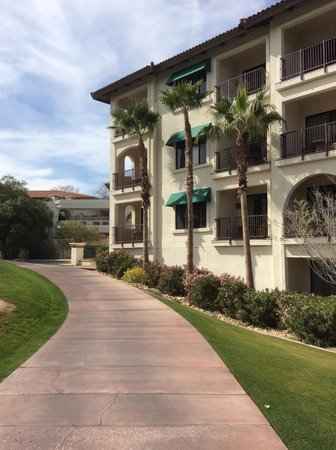 Arizona Grand Resort & Spa: View of condos from the outside