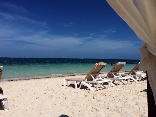 Excellence Playa Mujeres: View from the beach cabanas��