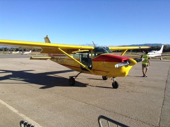 Skydive Algarve : current Cesna aircraft (as at Aug 2014)