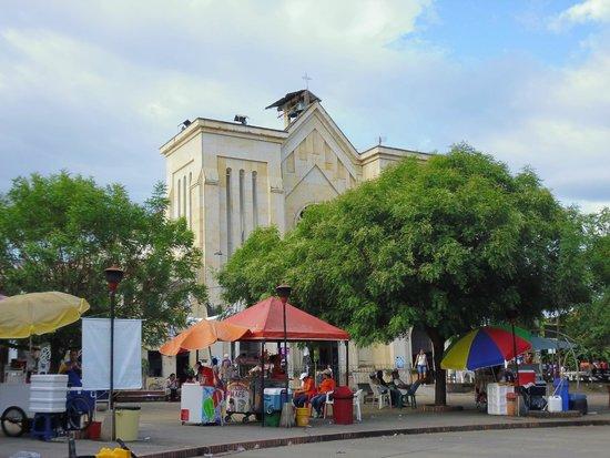 Iglesia de Nuestra Señora del Carmen de Apicalá