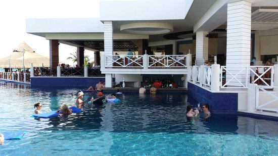Swim Up Bar Picture Of Secrets Silversands Riviera