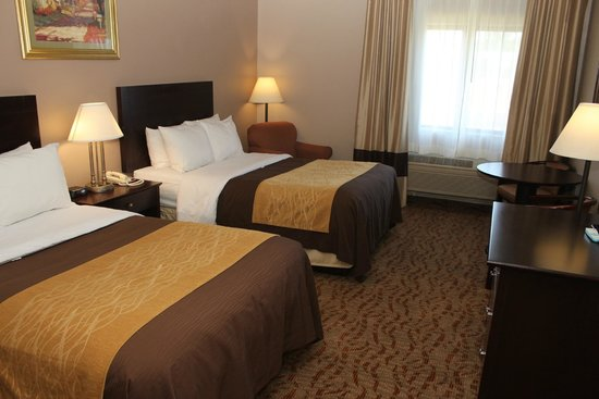 Quality Inn: Two Double Beds