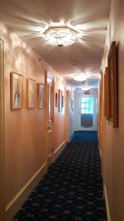 Stone Throw Cottage : Main hallway on second floor.