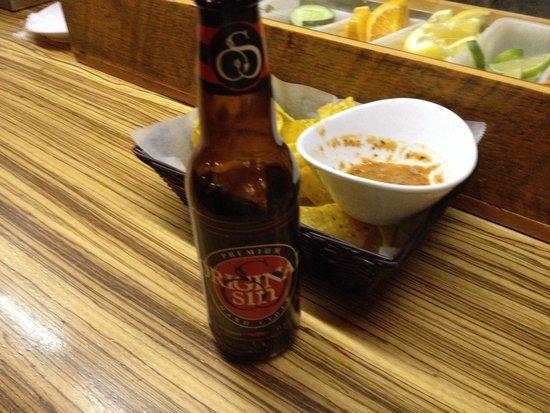 AGAVA Restaurant: Chips & salsa with every entré.