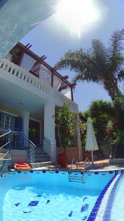 Villa Kallergi: Villa Athena Kallergi -pool