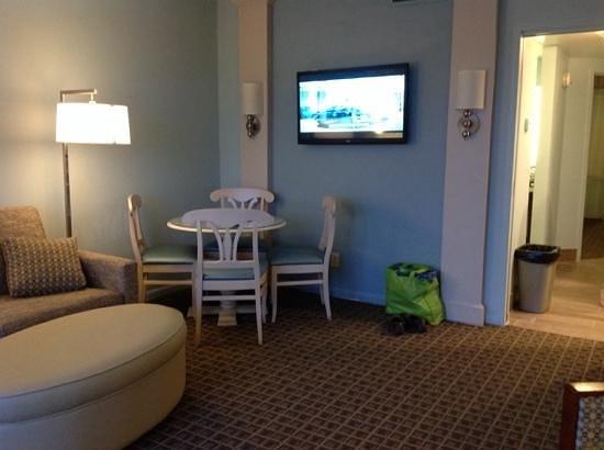 Best Western Ocean Reef Suites: living room, looking from balcony