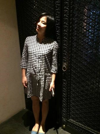 Four Seasons Hotel Hong Kong: I like the door too