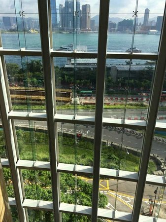 Four Seasons Hotel Hong Kong: view in 6th floor