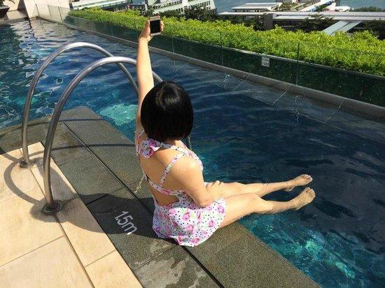 Four Seasons Hotel Hong Kong: photo myself