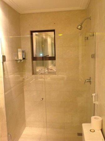 Elegance Ponta Negra Flat Beira Mar: banheiro suíte