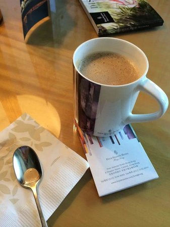 Four Seasons Hotel Hong Kong: a cup of coffee