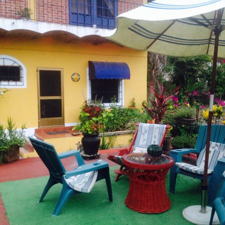 Casa Pacifica B&B: El jardín