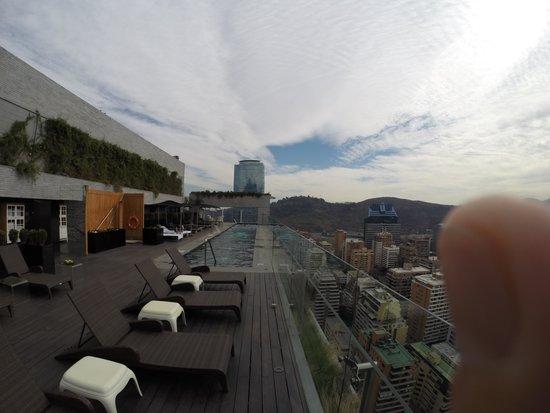 W Santiago: Vista da pscina