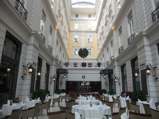 Corinthia Hotel Budapest: Restaurant