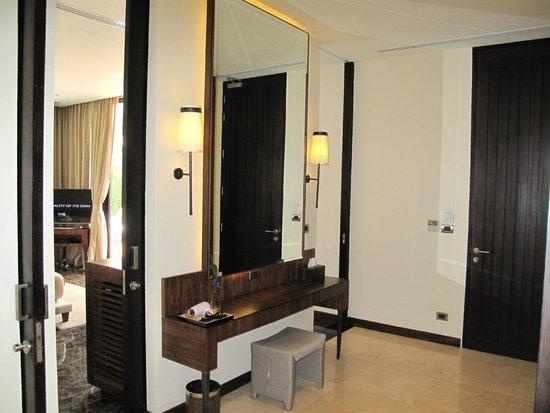 V Villas Hua Hin, MGallery by Sofitel: make-up area