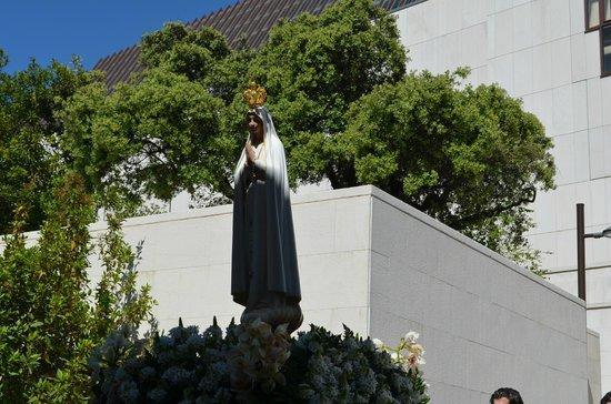 Basilica of Nossa Senhora do Rosário de Fátima: Imagem de Nossa senhora de Fátima