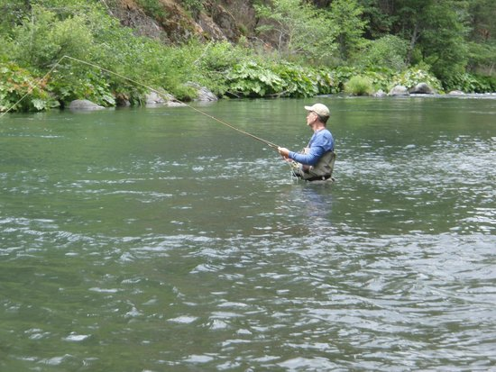 Clearwater Lodge at the Pit River: nothing like fly fishing
