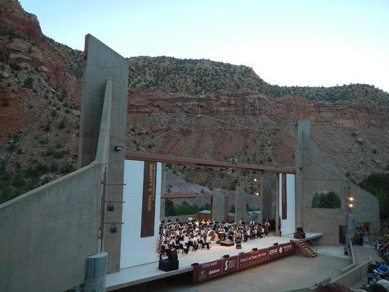 Flanigan's Inn: Utah symphony