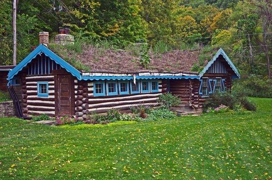 Little Norway: Sod roof cabin