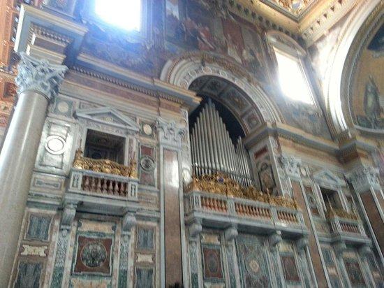 Arcibasilica di San Giovanni in Laterano: interior