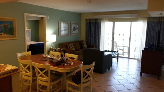 Wyndham Royal Vista: DR, kitchen, balcony