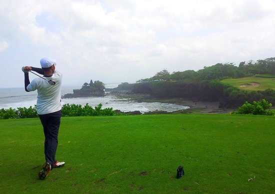 Nirwana Bali Golf Club: Follow Through