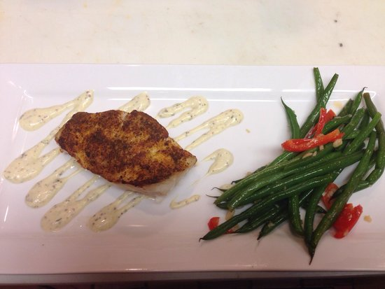 Goin' Coastal Sustainable Seafood Joint: Coastal seasoned grouper with French greenbeans
