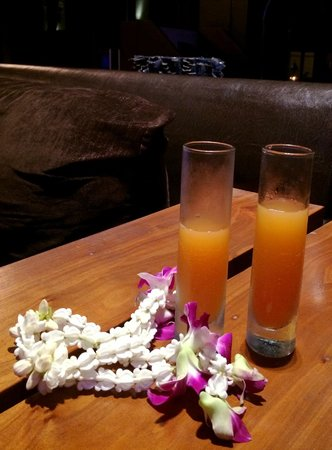 Novotel Phuket Kata Avista Resort and Spa: Yummy mango mocktails on arrival