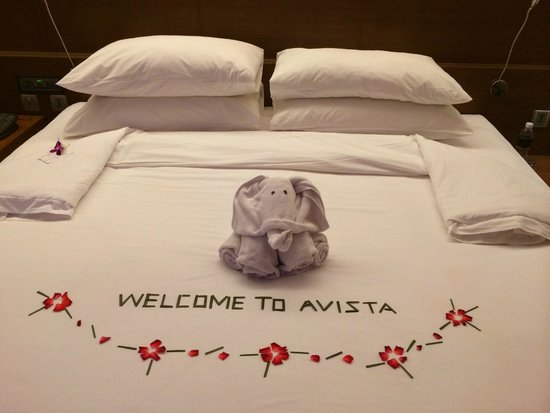 Novotel Phuket Kata Avista Resort and Spa: First room on check in - we did not want to remove this cute towel elephant