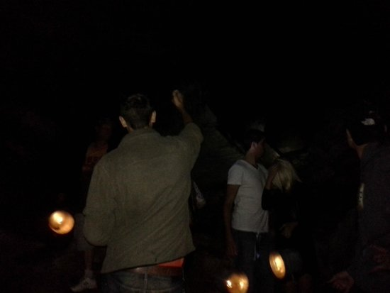 Cave of the Winds: Lantern tour