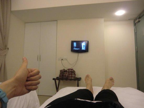 DeGalleria Hotel: tv