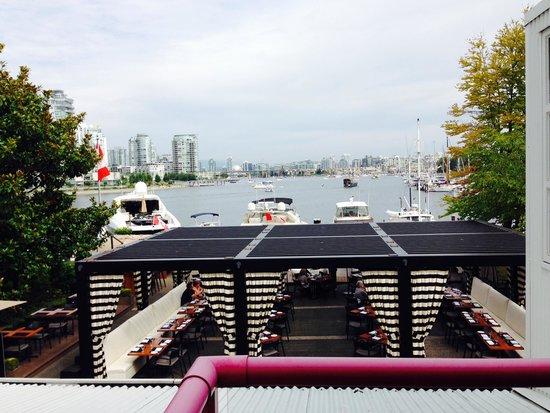Granville Island Hotel: Waterview room also overlooks restaurant.