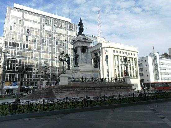 Monumento a Los Heroes : Monumento
