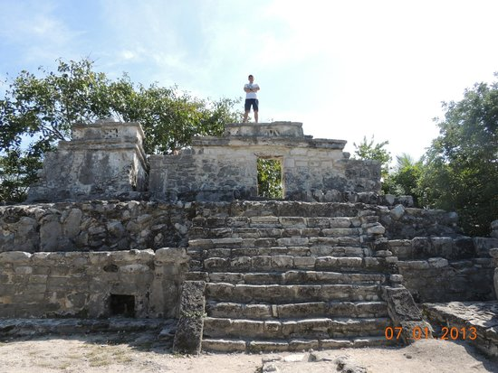 Xcaret Park: On top of a ruin