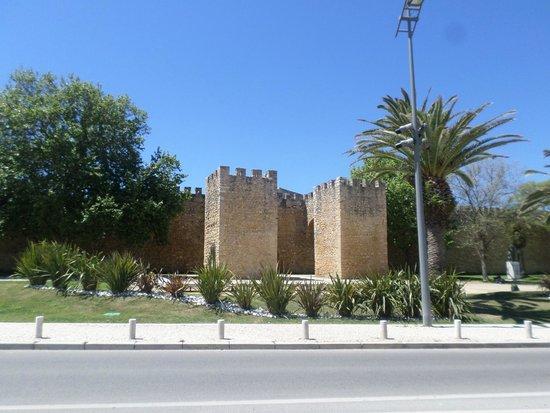 Governor's Castle (Castelo dos Governadores): Da rua.