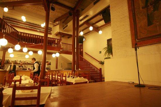 El Tablao de Carmen: Lovely atmosphere around the restaurant