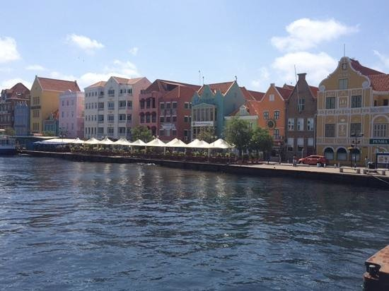 Sunscape Curacao Resort Spa & Casino - Curacao: downtown
