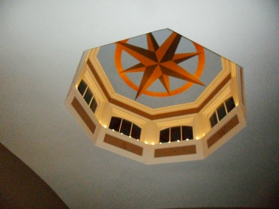 The Black Sheep Inn: The cupola in the 2nd floor lounge area