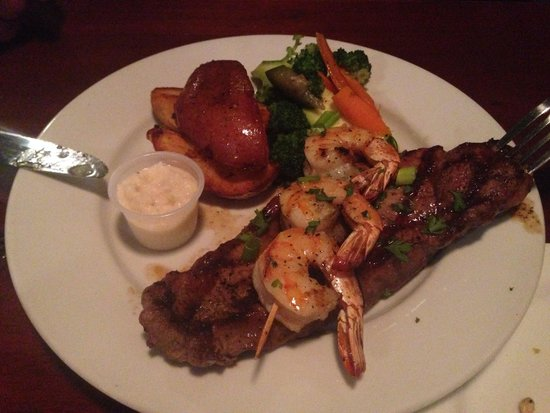 High Tides Seafood Grill : New York steak/shrimp with roasted potatoes